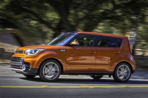 kia aoul 2017 kia soul reviews and rating motor trend