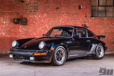 magnus walker porsche turbo magnus walker sells porsche 930 3 0 for 111 099 total 911