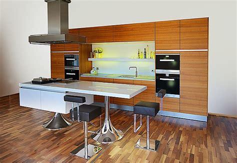 neue küchenschränke kleines l 228 ngliches schlafzimmer einrichten