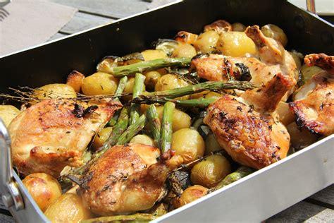 plats cuisin駸 poulet roti au vin blanc pommes de terre asperges vertes