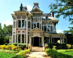 Bed And Breakfast Astoria Oregon A Painted Victorian Featured In Quot The Odd Life Of Timothy