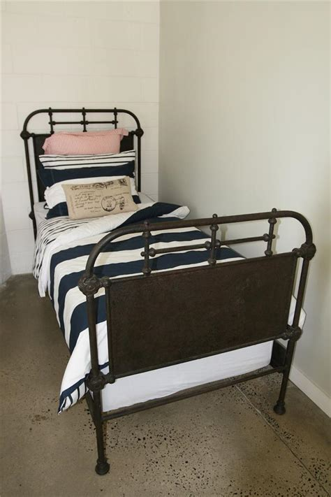 Iron Single Bed Frame Single Bed Frame Cast Iron Bed Frame 034 The Foundry 034 Solid Iron Single Bed Frame Ebay