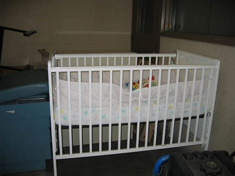 Baby White Crib Baby Cribs Government Auctions Governmentauctions Org R
