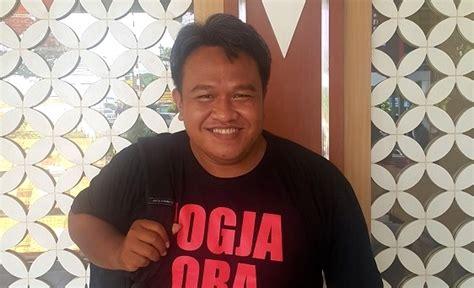 Kaos Jogja Ora Didol ekspedisi indonesia biru merekam berbagai persoalan alam