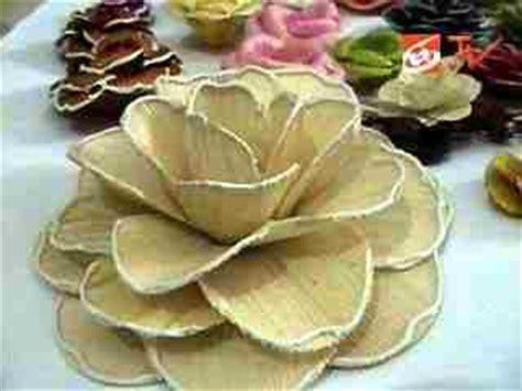 membuat kolase dari kulit jagung cara membuat bunga dari kulit jagung berita indonesia