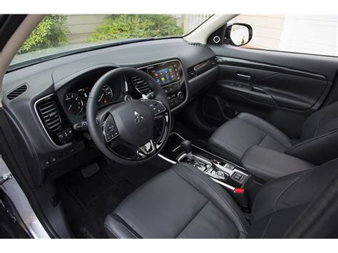 mitsubishi outlander interior mitsubishi outlander prices reviews and pictures u s