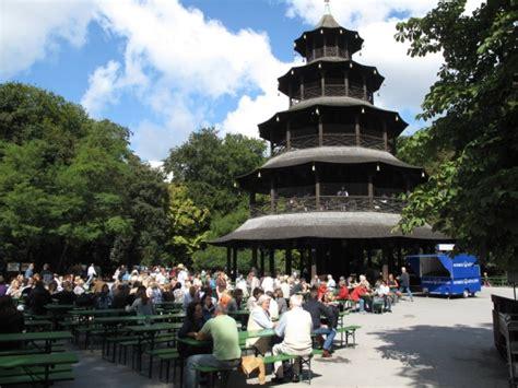 Englischer Garten Biergarten Parken by Bierg 228 Rten M 252 Nchen Chinesischer Turm