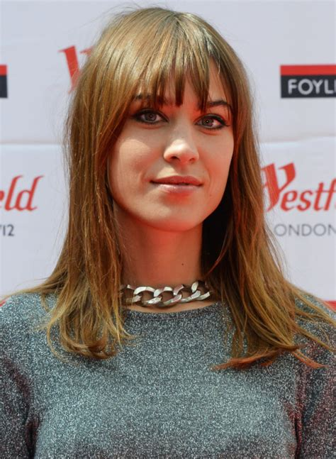 how to cut fringe around face fir ling layors 30 of the best face framing bangs operandi moda