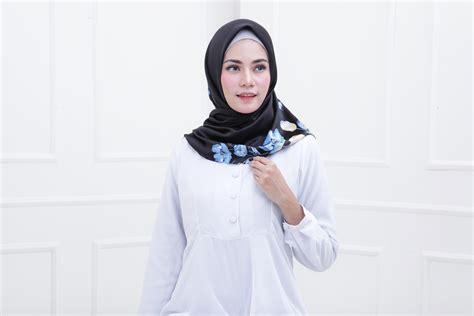 Glowing Kuning Dan Hijau bye bye kulit kusam gini caranya pilih warna jilbab agar