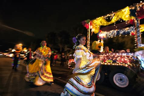 parade of lights tucson shabbat shmoozings the miracle of lights at the parade of