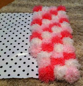 how to make a yarn pom pom rug 17 images about coisas legais para fazer on flower pots pom pom rug and paper flowers