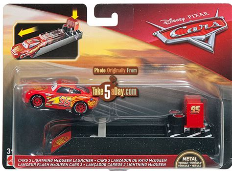 Mattel Mini Racers Cars 3 Wave 3 No 32 Dr Damage Ambulance Putih mattel disney pixar cars 3 new launchers preview