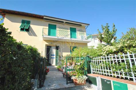 in affitto castiglioncello castiglioncello affitto appartamento con balcone 6 posti