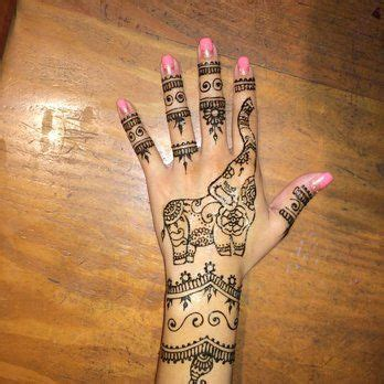 elephant henna tattoo on hand best 25 elephant henna designs ideas on