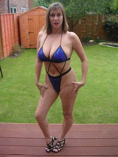 curvy wife busty big breasts tits boobs milf wife bikini big