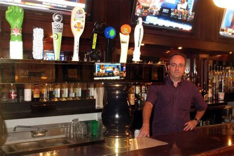 wise boxer pour house wise boxer upgrades food beer at former blackfinn site in naperville dailyherald com