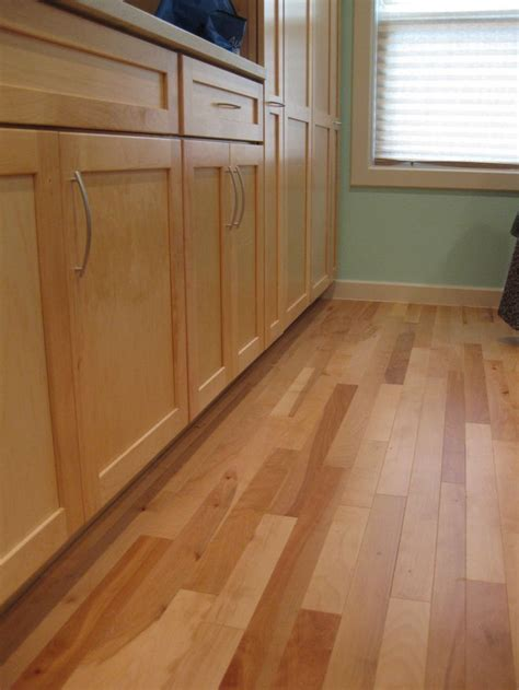 linoleum wood flooring 25 best ideas about linoleum kitchen floors on painted linoleum painted kitchen