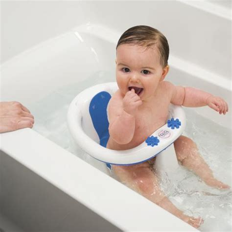 bathtub for 1 year old baby 1000 images about baby gear on pinterest bath seats