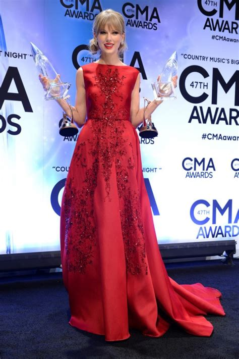 country music awards 2013 best album taylor swift country music association awards 2013 07