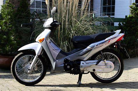 125ccm Motorrad Im Test by Honda Innova 125 Im Test Motorrad Tests Motorrad