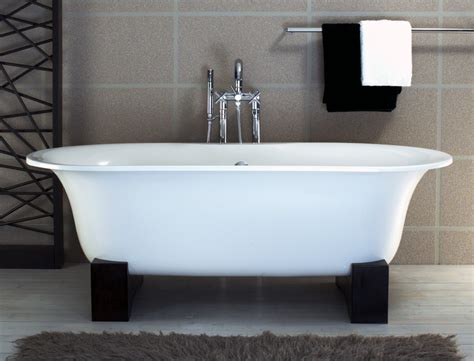 free standing soaking bathtubs triangle re bath asia freestanding bathtub with black resin cradles bt25 1000x763
