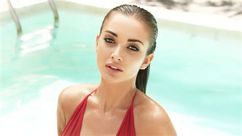 4k wallpaper of amy jackson wallpaper amy jackson swimsuit hot bollywood actress
