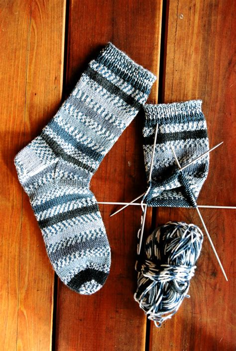 beginner knit socks 242 beginner mid weight socks knitting and simple