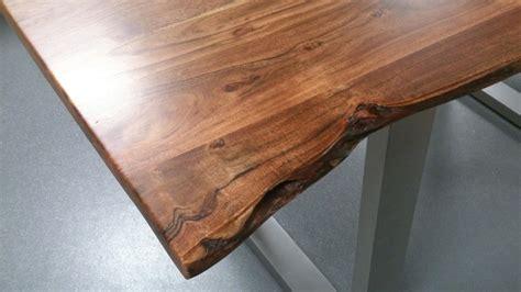 Tisch Mit Baumkante