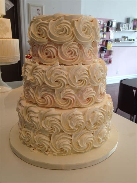 The Wedding Cake Shoppe: Buttercream Cakes Have made a