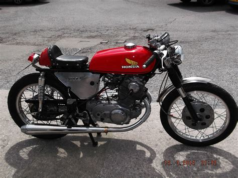 honda 250cc 1962 honda cb72 250cc cafe racer good looking bike