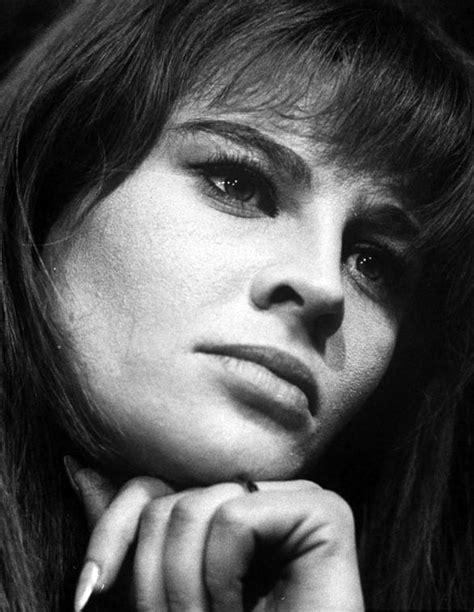 Biography Of Film Darling | julie christie julie christie movies julie christie