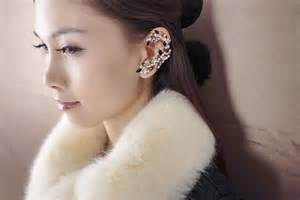 How To Make Chandelier Earrings Forget Studs Or Chandeliers Make A Statement Ear Cuff