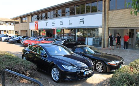 Tesla In Uk News Tesla Opens New Store And Service Centre