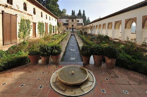 imagenes de jardines arabes el agua en la alhambra