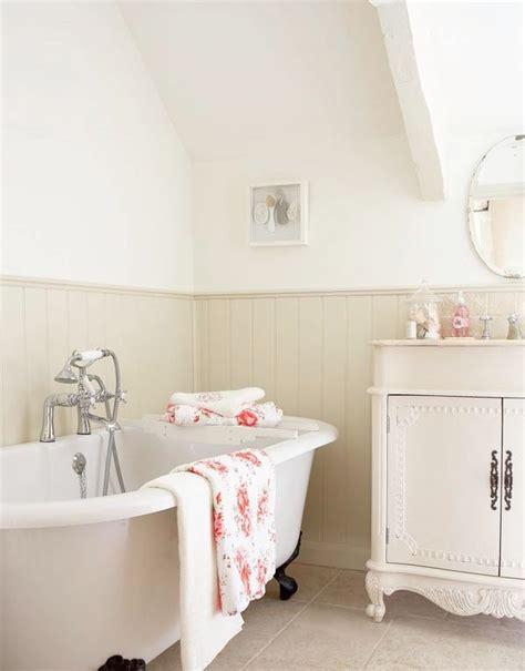 squeaky bathroom floor 17 best ideas about cottage bath on pinterest cottage