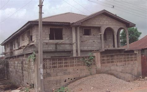 how much to build a 3 bedroom house how much to build four 3 bedroom flat to the level as seen in the pix properties
