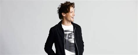 louis tomlinson label sony s epic records signs louis tomlinson complete music