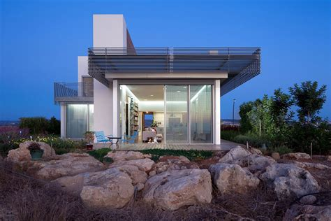 small minimalist house house a by heidi arad architecture design keribrownhomes