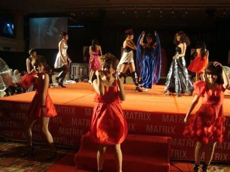 Sho Rudy Hadisuwarno batam activity hairshow trend collection 2010 by rudy