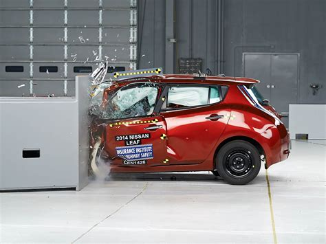 chevy acura nissan chevy volt tops nissan leaf in safety tests gas 2