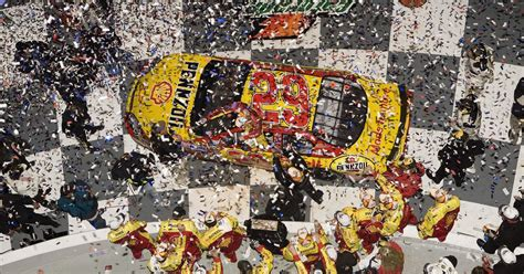 Kevin Harvick Wins Daytona 500 by Kevin Harvick S Daytona 500 Paint Schemes And Results