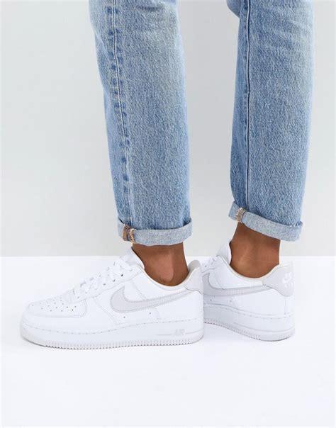 blanc nike air force   baskets blanc  gris femme