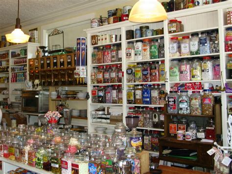7 Amazing Vintage Stores by My Front Porch May 2010