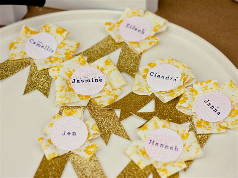 diy name cards identify yourself in style with these 26 diy name tags