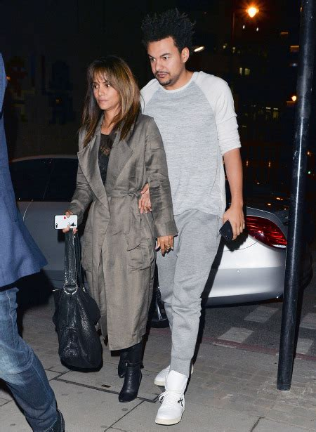 Halle Berry Has A New Dating Strategy by Halle Berry Steps Out With New Boyfriend Alex Da Kid