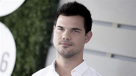 biography taylor lautner taylor lautner hollywood life