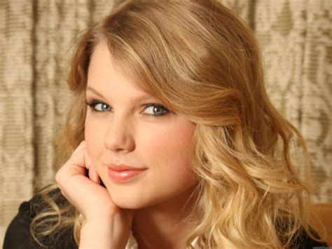 biography text about taylor swift swift nina biography
