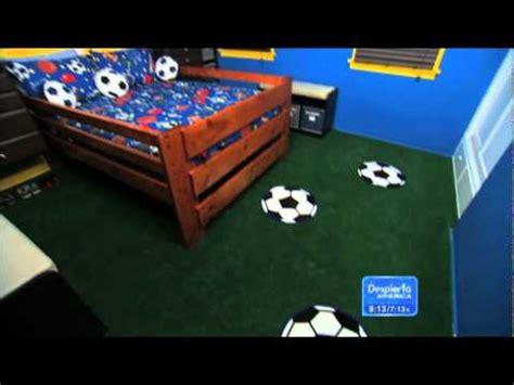 imagenes de niños que van al baño cuarto decorado futbol equipos