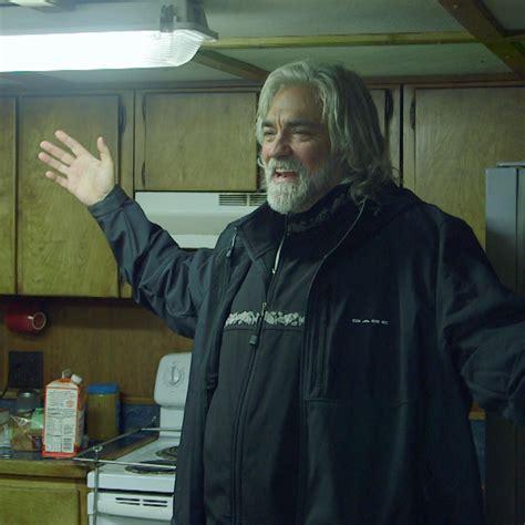 deadliest catch captain arrested josh harris says goodbye deadliest catch discovery