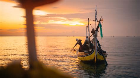 women  fishing indonesia marine stewardship council